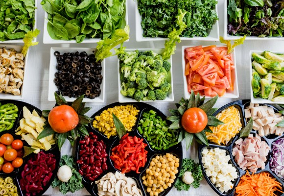 ¿Qué alimentos debes guardar en la nevera?